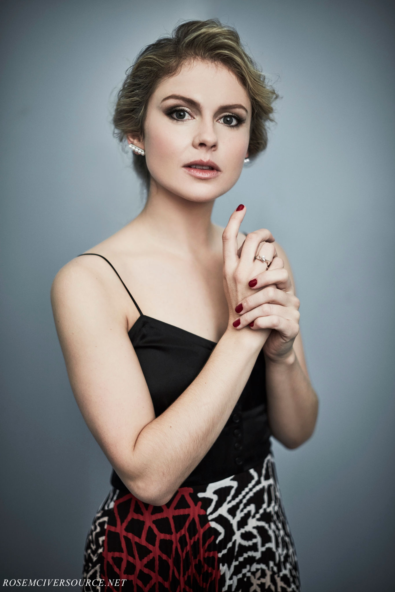 rose mciver images rose mciver | tca winter press tour 2017 portrait