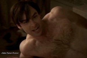 SHIRTLESS AIDAN