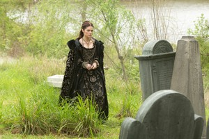 """Salem """"Friday's Knights"""" (3x08) promotional picture"""