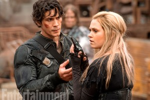 The 100 first look: Clarke and Bellamy