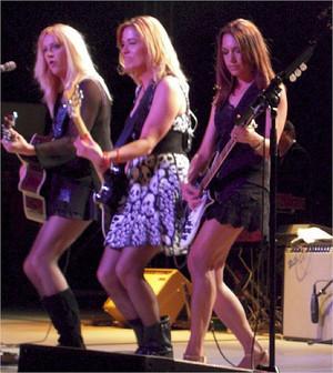 The Bangles rockin'