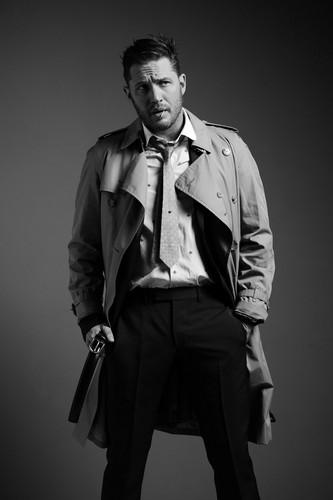 Tom Hardy karatasi la kupamba ukuta titled Tom Hardy ~ Esquire Magazine Photoshoot