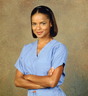 Victoria Rowell as Amanda Bentley