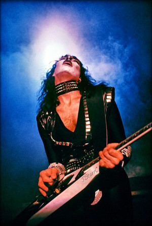 Vinnie 1982 (Creatures of the Night tour)