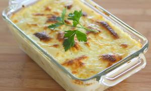 bacalhau com natas portuguese dish