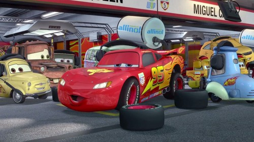 Disney Pixar Cars Hintergrund entitled cars2