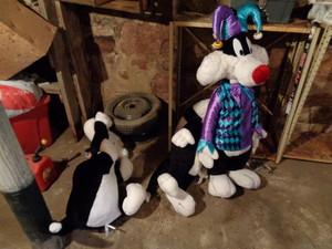 large Sylvester plush ドール tossed into damp cellar
