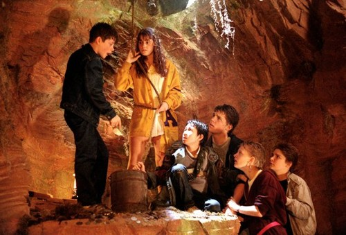 The Goonies দেওয়ালপত্র entitled sean astin kerri lee green ke huy quan 52789