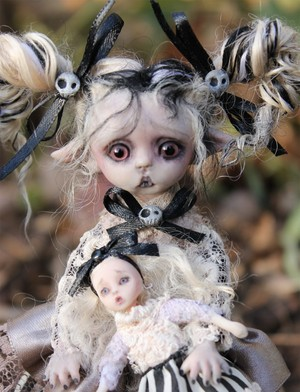 vampire porcelain, tiled doll