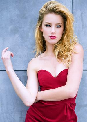 ♥ ♥ ♥ Gorgeous Amber ♥ ♥ ♥