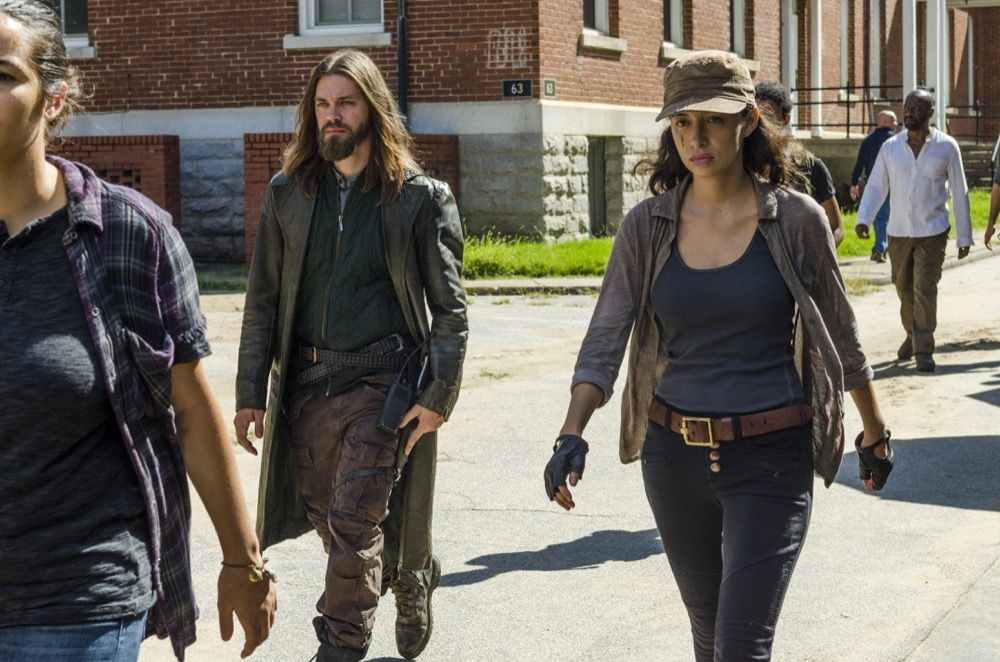 7x09 ~ Rock in the Road ~ Rosita and Jesus