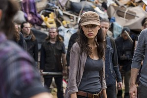 7x10 ~ New Best Friends ~ Rosita