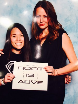 Amy with a fan at ClexaCon 2017