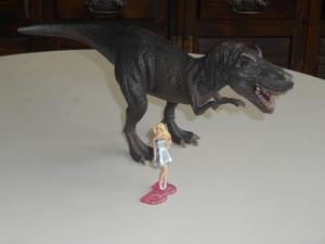 Barbie e il tirannosauro
