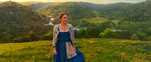 Beauty and the Beast (2017) fond d'écran entitled Beauty and the Beast Trailer Screencaps