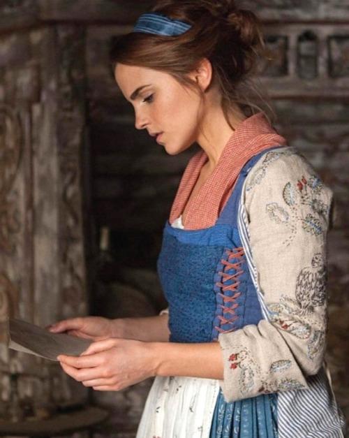 Belle (Emma Watson)