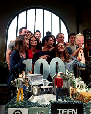 Celebrates wrapping the montrer and reaching their 100th episode