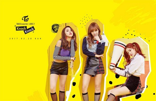 Twice (JYP Ent) achtergrond called Dahyun, Momo, and Chaeyoung are punky girls for 'Knock Knock'