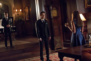 Damon 8x16 ''I Was Feeling Epic'' Promotional still