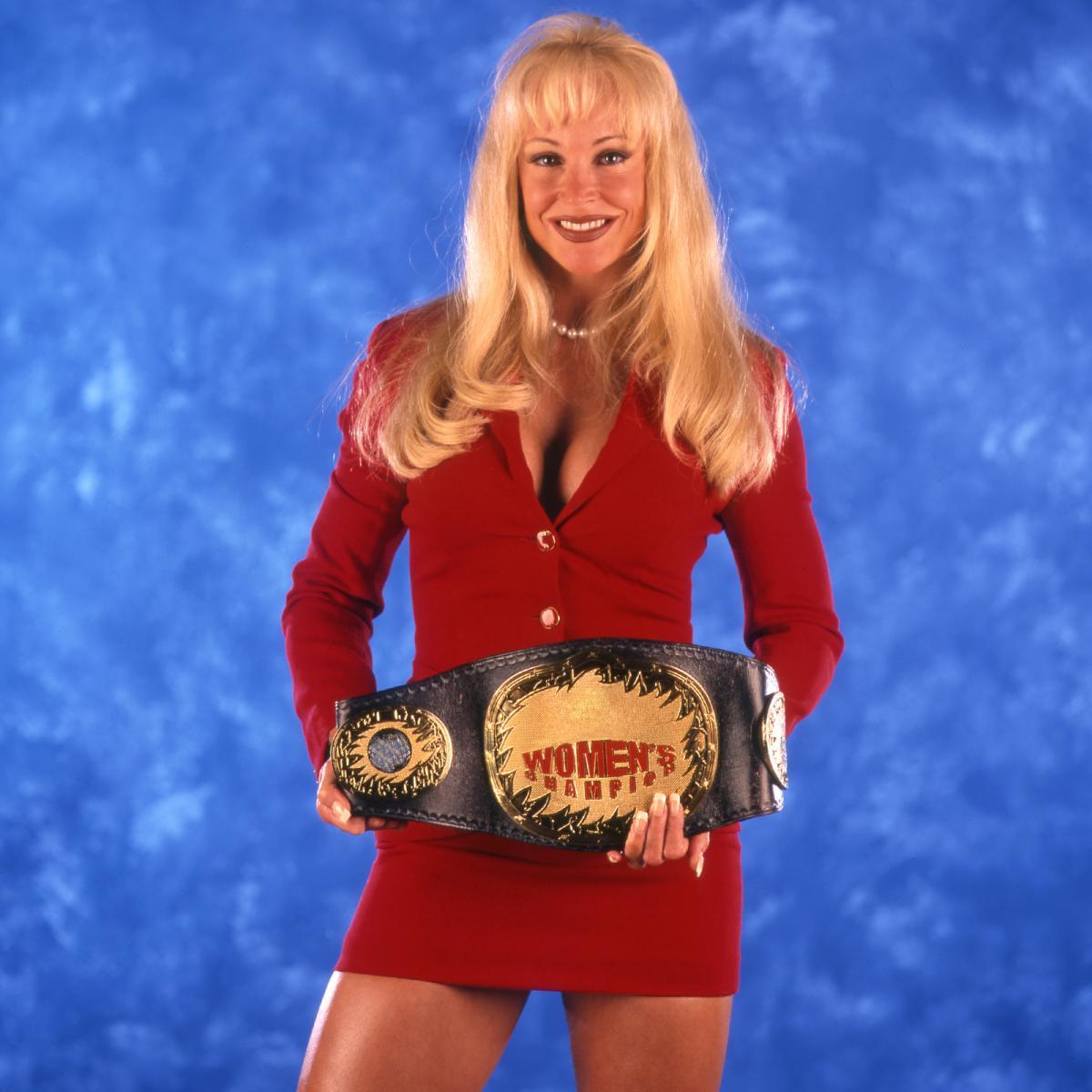 Debra - WWE Women's Champion