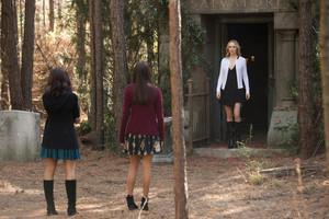 Elena 8x16 ''I Was Feeling Epic'' Promotional still