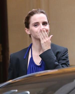 Emma Watson leaving hotel Le Meurice in Paris [February 20, 2017]