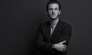 Gaspard Ulliel photographed for fashionpost.jp door Utsumi
