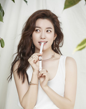 HAN HYO JOO CONTINUES AS FOLLI FOLLIE MUSE