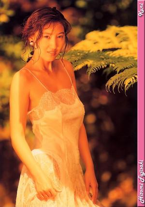 Hitomi Fujisaki 009