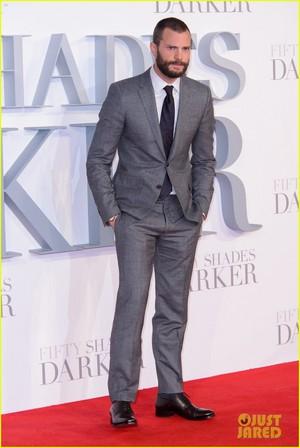Jamie Dornan and Wife Amelia Warner Look So In amor at 'Fifty Shades Darker' Londres Premiere!