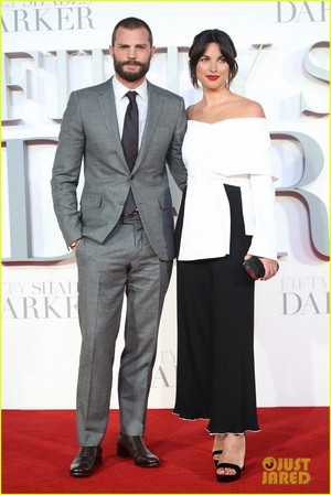 Jamie Dornan and Wife Amelia Warner Look So In cinta at 'Fifty Shades Darker' london Premiere!