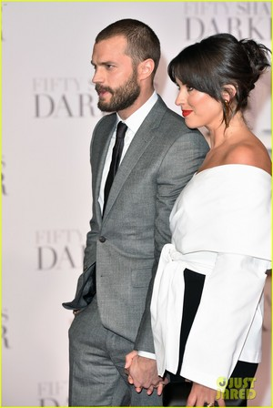 Jamie Dornan and Wife Amelia Warner Look So In upendo at 'Fifty Shades Darker' London Premiere!