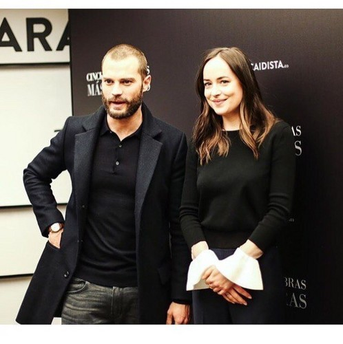 Fifty Shades Darker پیپر وال titled Jamie and Dakota at Madrid premiere of Fifty Shades Darker