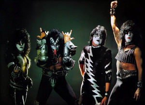 Kiss ~Hilversum, Netherlands...November 25, 1982