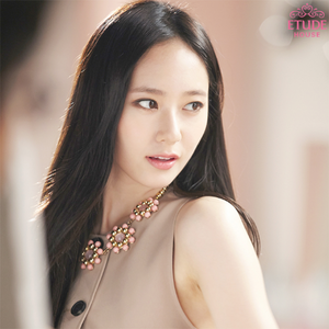 Krystal shows off her glowing skin and beauty in new cuts for 'Etude House'