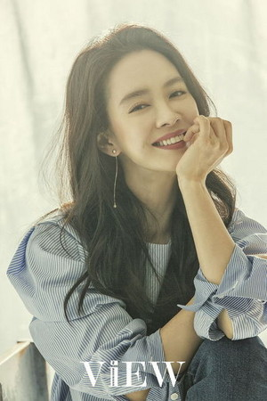 MAGICAL SONG JI HYO FOR FEBRUARY VIEW