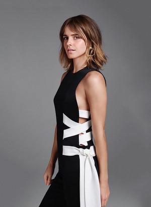 New pic of Emma Watson for Entertainment Weekly