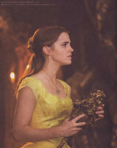 Beauty and the Beast (2017) karatasi la kupamba ukuta entitled New pic of Emma Watson in 'Beauty and the Beast'