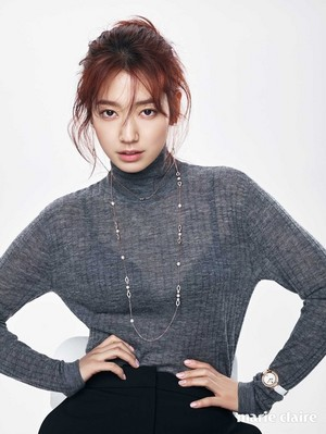 PARK SHIN HYE মডেল সমাহার SWAROVSKI JEWELRY FOR MARCH MARIE CLAIRE
