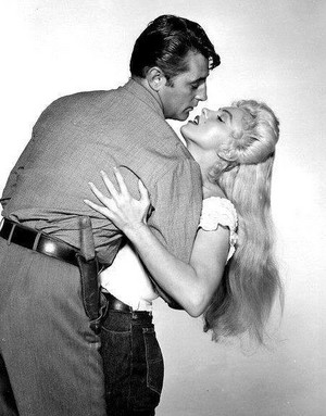 Robert Mitchum and Marilyn