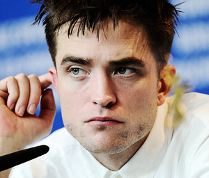 Robert at press conference for The 로스트 City of Z