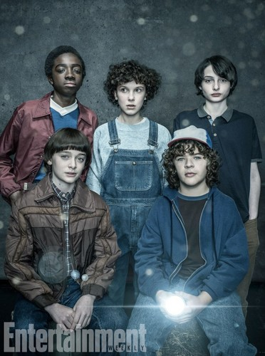 Stranger Things kertas dinding entitled Stranger Things Season 2 First Look