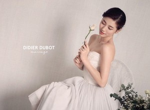 Suzy turns into a stunning bride for 'Didier Dubot'