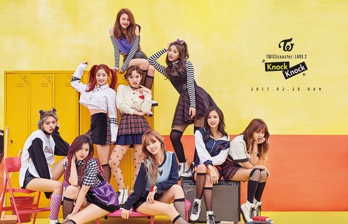 "Twice (JYP Ent) achtergrond entitled TWICE Group Teaser for ""Knock Knock"""