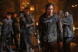 """The 100 """"The Four Horsemen"""" (4x03) promotional picture"""