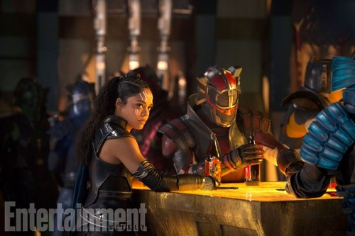 Thor: Ragnarok fond d'écran called Thor: Ragnarok - Exclusive First Look photos
