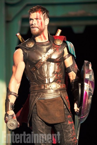 Thor: Ragnarok fond d'écran entitled Thor: Ragnarok - Exclusive First Look photos