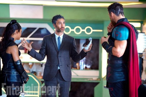 Thor: Ragnarok achtergrond entitled Thor: Ragnarok - Exclusive First Look foto's