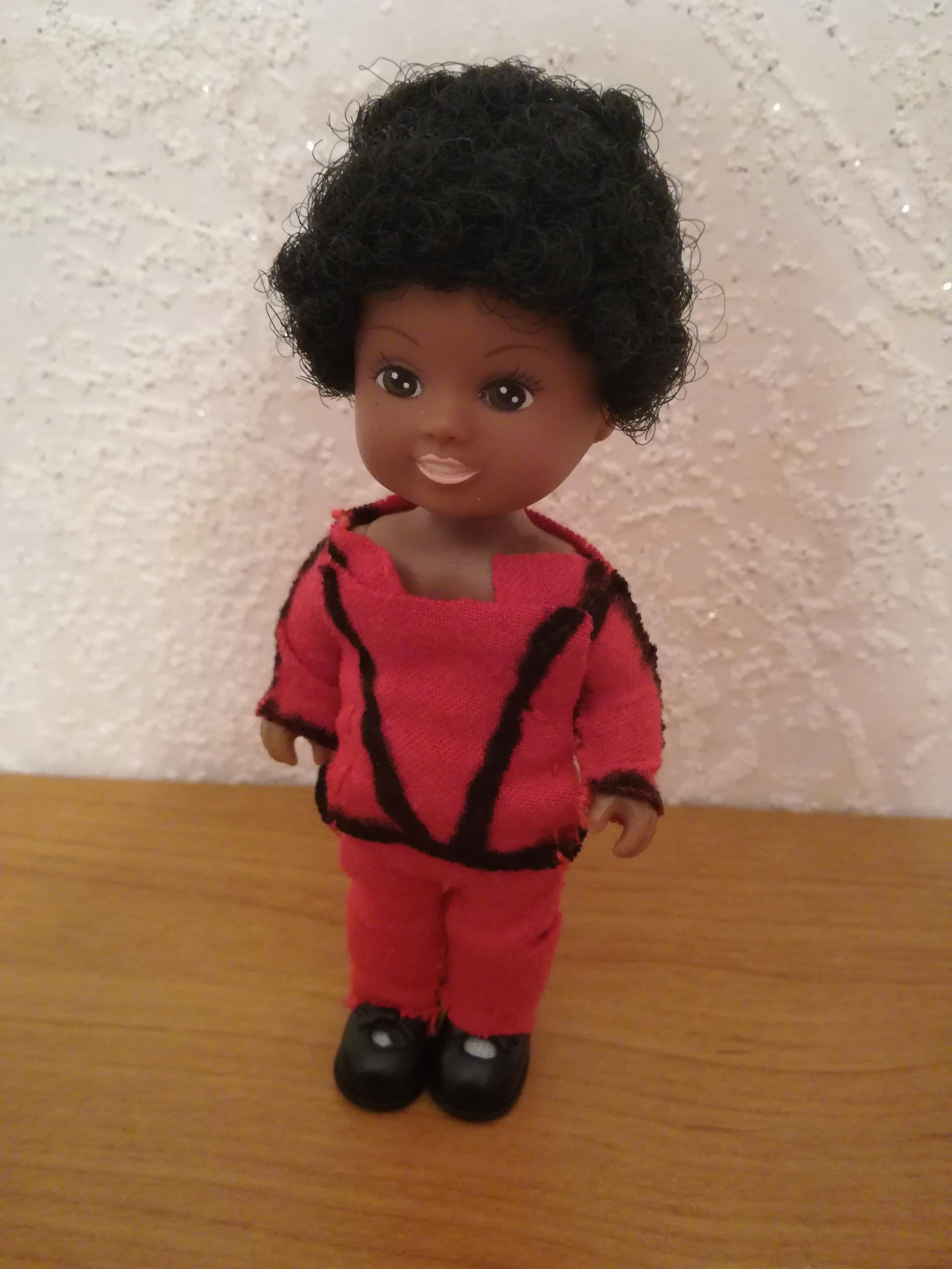 Thriller night doll