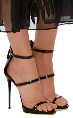 large giuseppe zanotti black coline patent leather sandals
